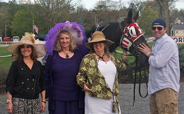 Ladies Hat Contest
